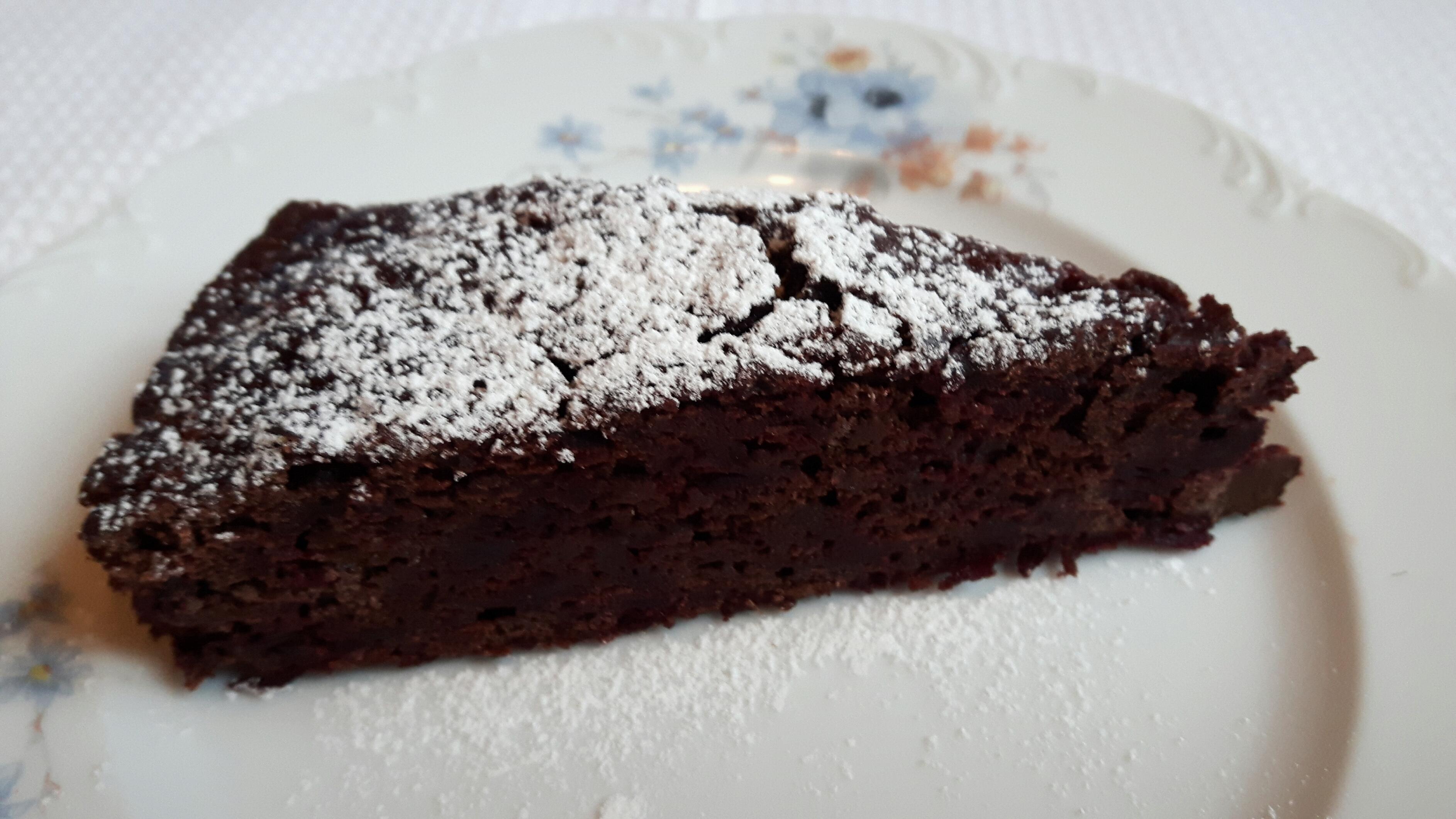 Rødbetkake med bygg og mørk sjokolade